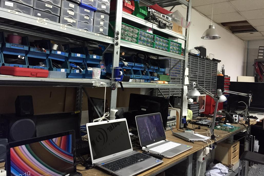 Reparaci n ordenadores port tiles taller donde arreglan for Reparacion de portatiles en barcelona